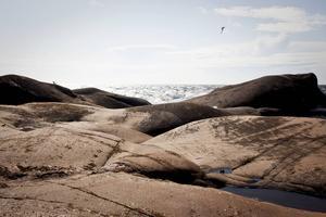 Bildtext 11: Imponerande klippor på Bengtskär, södra Åbo skärgård.    Foto: Visit Finland