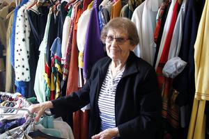 Harriet Engström har drivit Festyran i Sörberge under 30 år. Nu ska hon snart fylla 90 år och känner att det är dags att sluta.