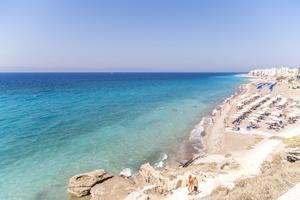 Grekiska ön Rhodos är en av sommarens mest bokade resmål.