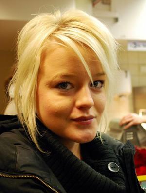 Lina Andersson, 16, Timrå:-Att det ska gå bra i skolan.