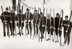 VM-truppen till Oslo VM 1966.Fr v Karl-Åke Asp, Melker Risberg, Ragnar Föllinge Persson, Ingvar Sandström, Bjarne Andersson, Janne Stefansson, Assar Rönnlund, Janne Halvarsson, Kjell Lid.