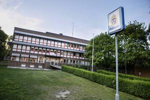En tullinspektör kom till polishuset i Söderhamn och förhörde mannen.
