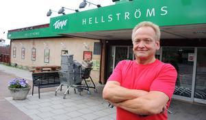 Thomas Östlund har tagit över som ny handlare i Vikarbyn efter Leif Hellström.