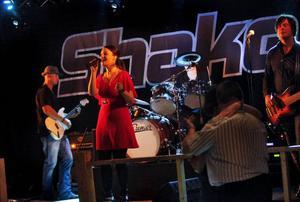 Shake från Timrå har spelat in sig i Älvstapubliken hjärtan. De återkommer givetvis 2012.