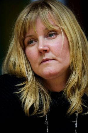 """""""Per Åsling brukar säga att det är för mycket prat och lite verkstad i riksdagen, nu agerar han precis tvärtom"""", säger riksdagsledamoten Marie Nordén"""
