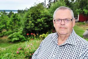 Heltidsjobb. Lars Hedsäter är en av flera advokater som lagt ned mycket arbete för sin klient under Södertäljemålet. Han yrkar på 3,4 miljoner kronor i arvode för vad som kan bli Sveriges dyraste rättsfall någonsin.