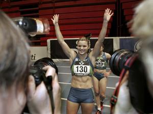 I fokus. Sanna Kallur var det stora affischnamnet i GE Galan och vann 60 meter häck på 7.94. Därmed är Sanna fortsatt obesegrad under 2007 och storfavorit till att försvara sitt EM-guld i Birmingham om drygt en vecka. Foto: Maja Suslin/Scanpix