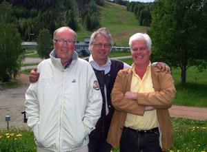 Det nya vindkraftprojektets initiativtagare Per Bergvall, Böle, flankeras av konsulten Östen Nihlén, och en av intressenterna Anders Strömblad. Foto: Ingvar Ericsson