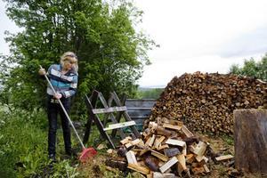 Filmerna Varg, Möbelhandlarens dotter och Snowland är bara ett urval av filmprojekt som Åsa har varit med och gjort scenografi till. Men hon arbetar inte enbart med olika filmprojekt. Åsa Nilsson gör även scenografi till bland annat turistanläggningar och museer.