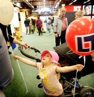 Treåriga Freja Skoglund hade fått en ballong.
