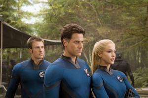 Chris Evans, Jessica Alba och Ion Gruffoud är tillbaka i superhjältedräkt. Foto: Foxfilm