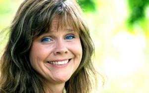 Körledaren Maria Emanuelsson från Enviken har blivit tilldelad Svärdsjö Lions Hederskråka 2010. Hon får utmärkelsen för sitt ideella uppoffrande som körledare. FOTO: MATTIAS GÖTHBERG