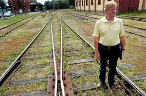 Moderaten Ture Österberg vill växla upp planerna för järnvägen och bygga Nobelbanan via Nora.