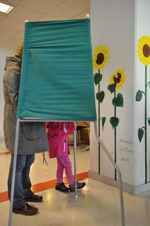 Fler röstade. Valdeltagandet ökade markant i årets val.foto: scanpix