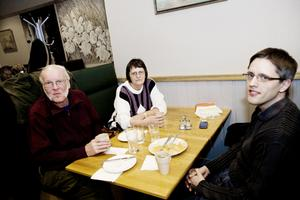 Andreas Göransson äter idag lunch med sina föräldrar Gunder och Lilian Göransson. Han går ut och äter lunch med sina arbetskamrater någon gång i veckan. Andras säger att han har reflekterat över de höga lunchpriserna.– Så ibland väljer jag att äta kebab istället för husmanskost.
