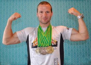 Med sig från Sydney hade Daniel Hallgren sex medaljer, och en fribiljett till nästa brandmans-VM.