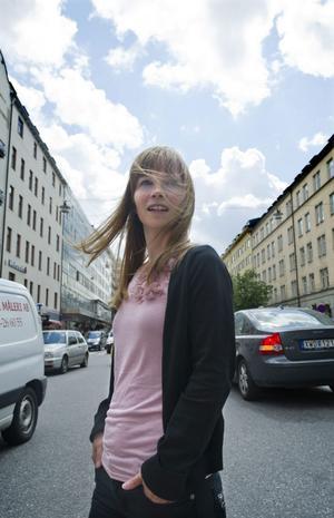 AVUNDSJUK. Ann-Helén Laestadius är avundsjuk på dagens unga som kan flörta via Facebook och sms.