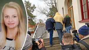 Den häktade expojkvännen nekar till alla brottsanklagelser.