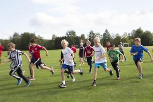 Inget tecken på att det är slut på energi i kroppen under sista dagen på sommarskolan.
