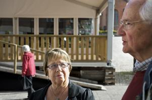 Hit men inte längre. SPI fick ingen plats i valtältet, vilket partiets företrädare Sonja Hjelm och Lars Westerlund beklagar.