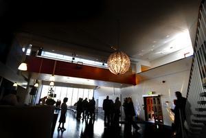 Ny entre. Dalarnas museum firade 45 år i går - och den nya entrehallen är luftig och ljus.