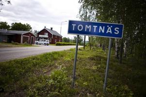 Längs med den lilla vägen utanför Ockelbo, som längre söderut leder ut på länsväg 272, slog tjuvarna till mot två hus. Sedan greps de.