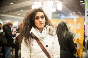 Sara Arampour, som för tillfället är arbetssökande, menar att Rekryteringsmässan fyller sin funktion.