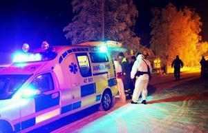 Den skottskadade mannen vårdas på sjukhuset i Östersund.