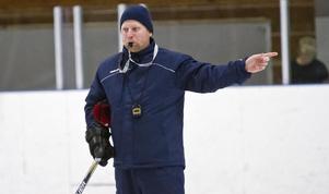 Daniel Eriksson var mycket nöjd över sitt Köping Hockey efter derbyt mot VIK Hockey.