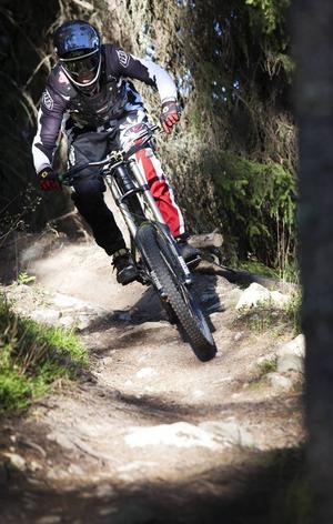 – Det är väldigt teknisk cykling. När det är relativt korta spår bakar man in annat, säger Andreas Björk.