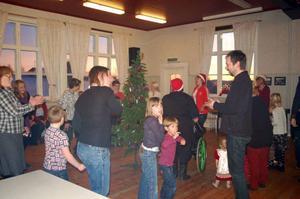 Att dansa ut julen är en årlig tradition på skolan i Ytterberg.