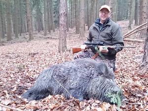Henrik Persson jagar ofta vildsvin i Tjeckien med lyckat resultat.