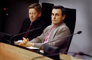 Lasermannen, John Ausonius, på tingsrätten i Örebro, tillsammans med Thomas Carlstedt, angående överklagande av livstids dom.