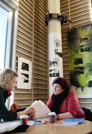 """Att ställa ut  på Campus är ett mycket medvetet val från Susanne Frunck.  """"Min konst  ska vara där ungdomarna är""""."""