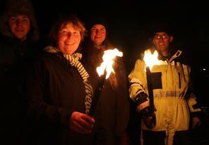 Siebe, Marlies och Hein de Kort, tillsammans med Lovisa Larsson, tänder hopp hos de som vill att sjön Unden ska få vara ifred.
