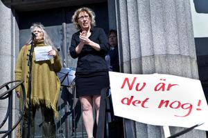 Gertie Gladnikoff från Aktionsgruppen för de sjukskrivnas rätt var en av talarna.