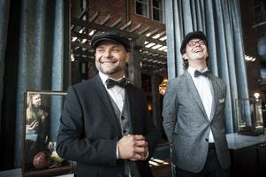 Kai Pasma, vd, och Felix Fuchs, marknadschef, gick väl in i hotellets stil, som ska påminna om år 1919.