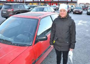 Camilla Westlinder från Östersund tycker att det är bra med fartkameror. Hon tycker också att det är bra om polisen är mer synlig ute på vägarna.