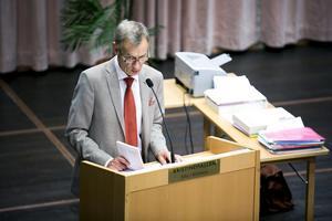 Centerpartisten Göran Engström ser ingen fördel med stora regioner.