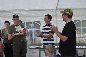 Ingvar Karlsson från Team Bora vann hela gäddfisketävlingen och fiskade upp 44 kilo gädda. Som förstapris fick han en plakett och ett årslångt fiskearrende i Unden. Han gratulerades av arramgörerna Christofer Calander och Christer Johansson i Undens fiskevårdsområdet.