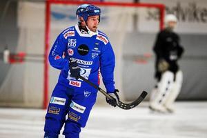 Joakim Hedqvist spelade en av huvudrollerna när han stod för två av målen i Vänersborgs bortaseger. Foto: Andreas Tagg.