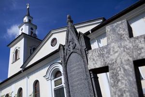 Gravarna närmast kyrkan var framför allt avsedda för