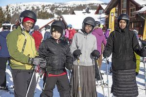 Moridi, Sadam, Hanna och Mushtaaq var några av deltagarna som var med på eventet Tillsammans på snö på Vemdalsskalet.