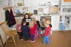 Höga ljudnivåer på förskolan är en angelägen fråga enligt Sverigedemokraterna i Säter, som vill att kommunen genomför bullermätningar. Kommunstyrelsen anser dock att det redan arbetas tillräcklig mot buller i kommunens förskolor (bilden har inget samband med artikeln).