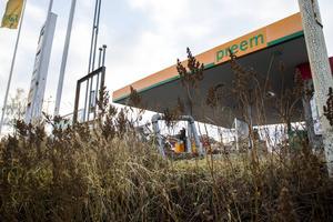 Diesel har läckt ut från en cistern på Preem i Färila. Företaget har polisanmälts av kommunen.