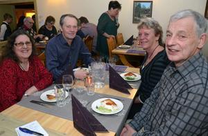 Vivi-Ann Andersson, Arne Strehlin, Ewa Pousette och Rolf Andersson såg fram mot en minnesvärd kväll.