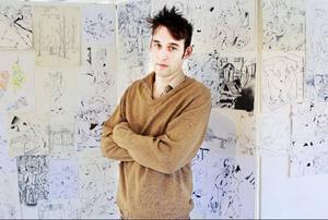 """""""Man kan stå länge och titta på Robin Montelius teckningar, det uppenbarar sig nya detaljer hela tiden"""", skriver krönikören."""