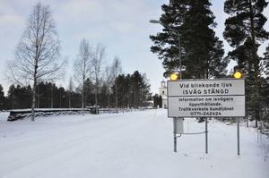 Isvägarna på Storsjön i närheten av Orrviken kommer inte att vara öppna än på ett tag, eftersom isen växer alltför sakta.