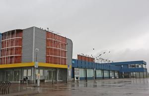 Över 12 000 kvadratmeter lager ska få nya ägare. Det gamla Coop Forum-huset i Borlänge ska säljas.