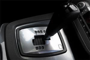 PowerShift kallar Ford sin automatiserade manuella växellåda med dubbla kopplingar. Tack vare koncernsamarbete erbjuds samma växellåda även i några Volvo-modeller. Audi och Volkswagen var tidigt ute med tekniken som nu spridit sig hela vägen till BMW och Porsche.